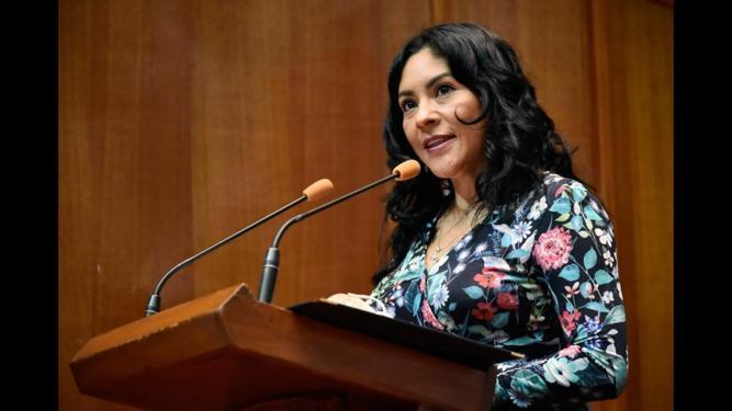 Karla Leticia Fiesco García